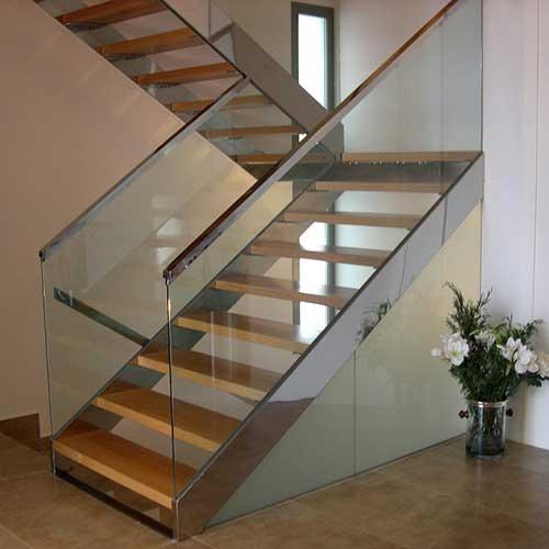 Escaleras especiales zona oeste zona norte pilar moreno for Escaleras de hierro para exterior